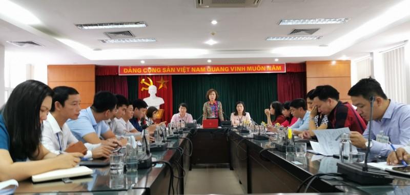 Đề nghị tặng Cờ thi đua cấp Thành phố cho Công đoàn phường Giang Biên