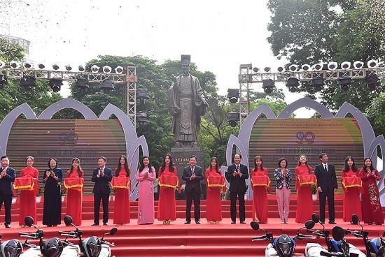 Tưng bừng các hoạt động kỷ niệm 90 năm Ngày Truyền thống Mặt trận Tổ quốc Việt Nam