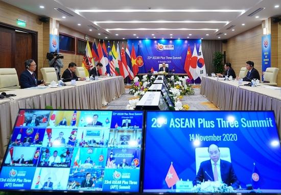 Thủ tướng Nguyễn Xuân Phúc: Ưu tiên hàng đầu là tập trung kiểm soát và đẩy lùi Covid-19