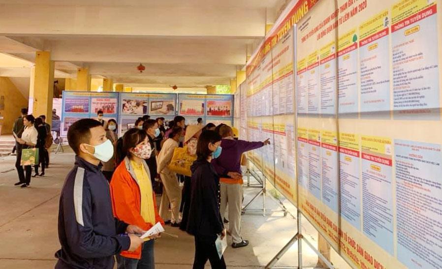 Phiên Giao dịch việc làm lưu động quận Tây Hồ: Hơn 1.200 chỉ tiêu chờ người lao động