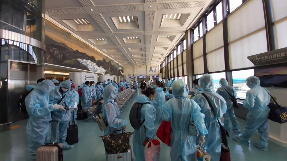 Thực hiện 4 chuyến bay, đưa hơn 790 công dân Việt Nam về nước