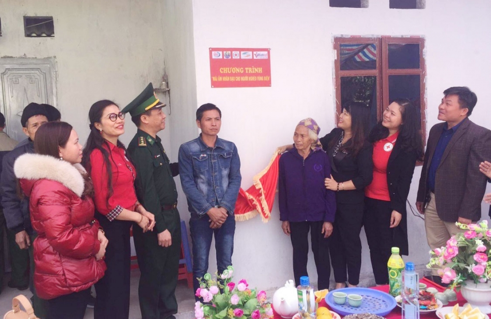 """Trao """"Mái ấm nhân đạo cho người nghèo vùng biên"""" tỉnh Lạng Sơn"""