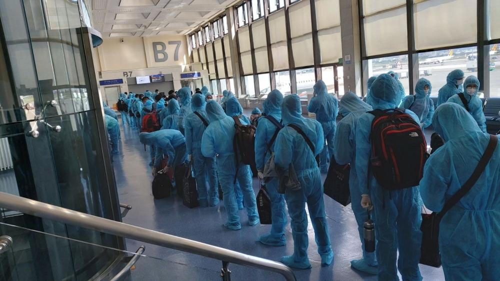 Thực hiện 6 chuyến bay, đưa gần 1.200 công dân Việt Nam về nước