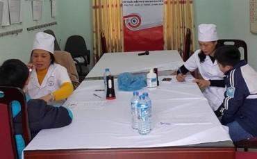 700 trẻ em Phú Thọ được khám, chăm sóc mắt miễn phí