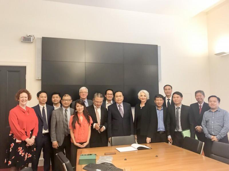 Chủ tịch Ủy ban TƯMTTQVN Trần Thanh Mẫn làm việc với Đại học RMIT