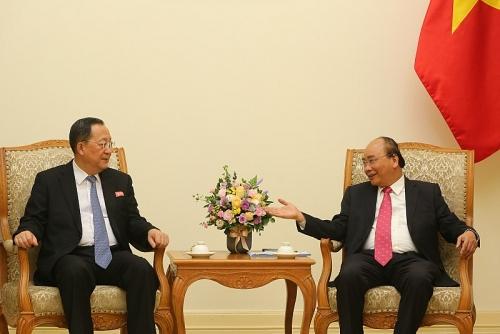 Thủ tướng Chính phủ Nguyễn Xuân Phúc tiếp Bộ trưởng Ngoại giao Triều Tiên