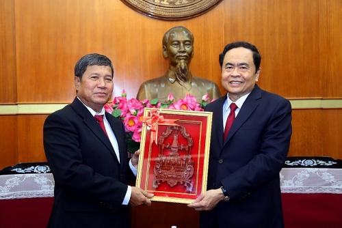 Thắt chặt quan hệ hợp tác giữa hai tổ chức Mặt trận Việt Nam - Lào