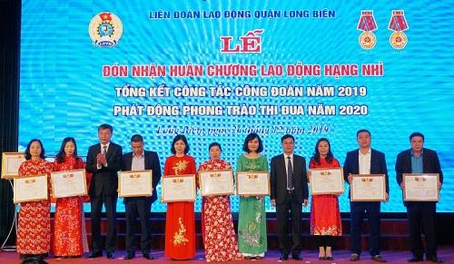 """Quận Long Biên: Phát động đợt thi đua """"Mừng Đảng quang vinh - Mừng sinh nhật Bác"""""""
