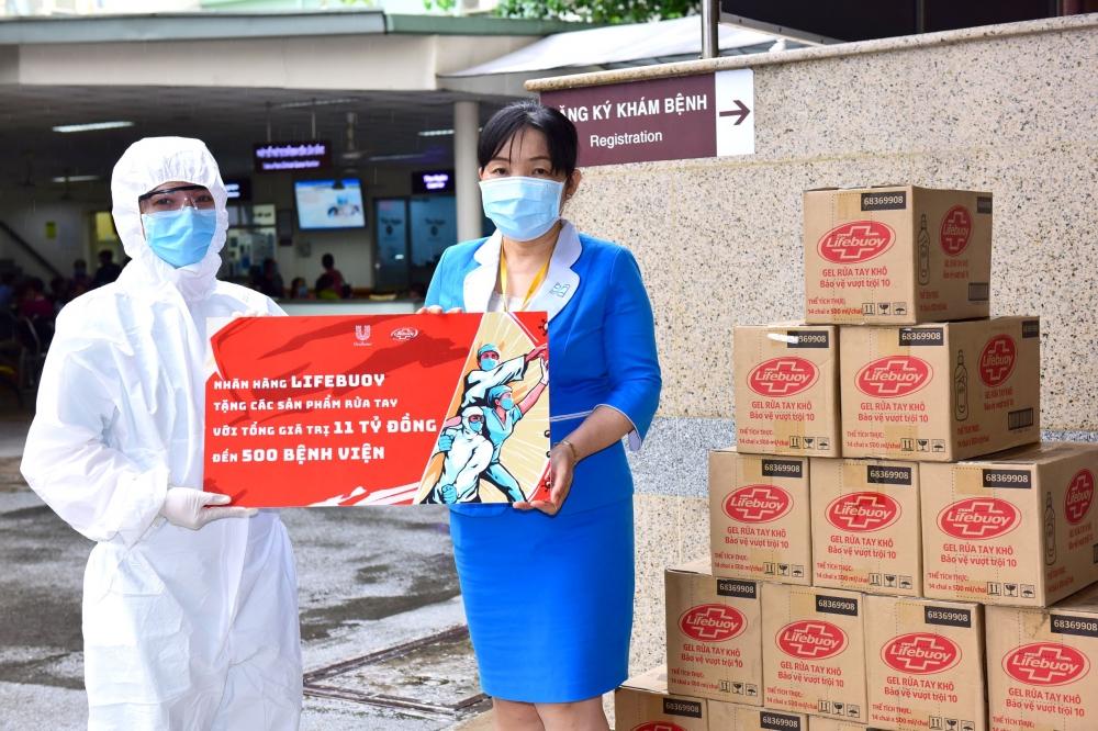 Lifebuoy tài trợ 11 tỷ đồng đến 500 bệnh viện góp phần phòng chống dịch Covid-19