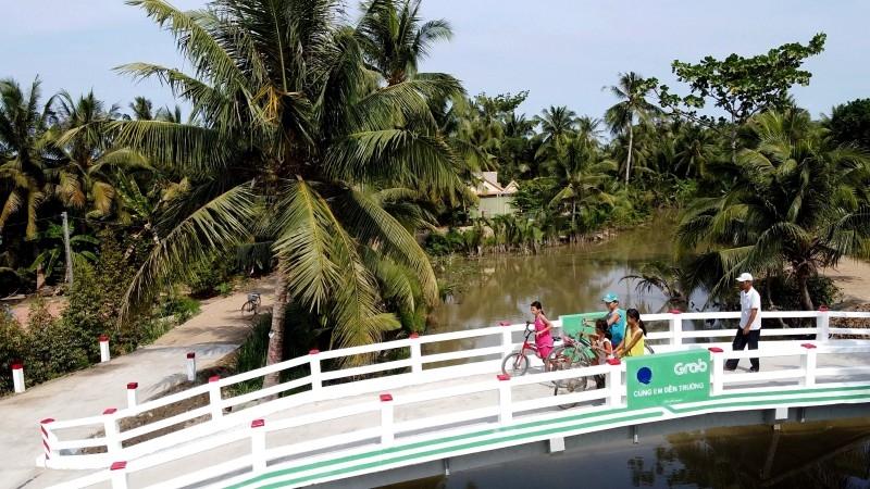 Xây dựng thành công 5 cây cầu tại 3 địa phương, giúp hàng ngàn học sinh đến trường an toàn