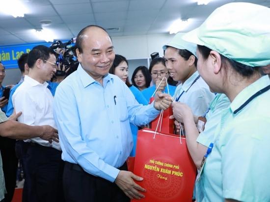 Thủ tướng Chính phủ đề nghị chăm lo cuộc sống tốt hơn cho giai cấp công nhân Việt Nam