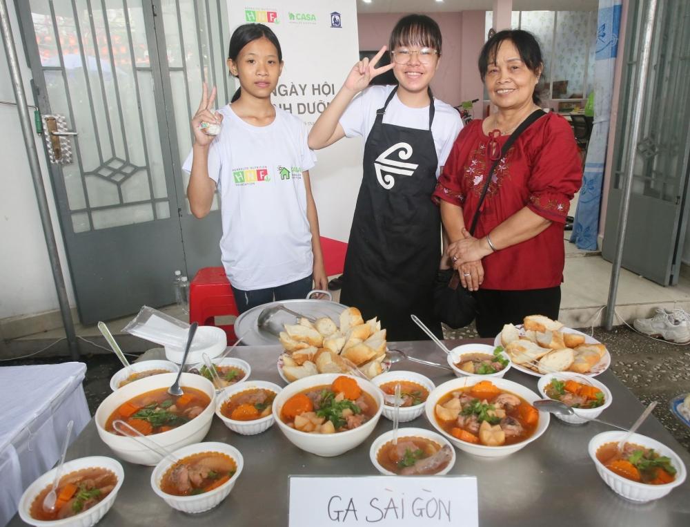 Tổ chức chuỗi Ngày hội dinh dưỡng cho trẻ em có hoàn cảnh khó khăn