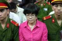 Huỳnh Thị Huyền Như nổi bật tại tòa
