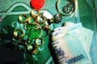 Trộm vàng để mua xế hộp hạng sang