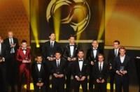 Messi thành thảm họa thời trang Gala Quả bóng vàng 2013