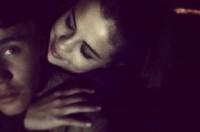 Justin Bieber 'báo hiệu' tái hợp Selena