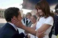 Các chính trị gia ngọt ngào bên vợ