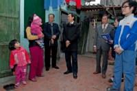 LĐLĐ Tp: Thăm tặng quà CNLĐ Khu công nghiệp Nội Bài