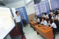 Nhân rộng mô hình dạy Toán và khoa học bằng tiếng Anh