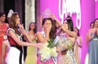 Tân hoa hậu Hoàn vũ Philippines vỡ òa hạnh phúc khi đăng quang