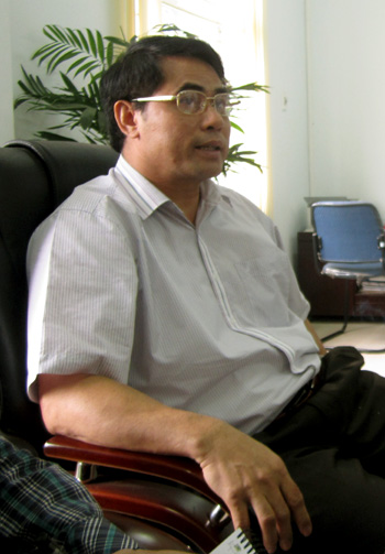 Giám đốc Sở Nội vụ tỉnh Hòa Bình trong buổi làm việc với PV Dân trí.
