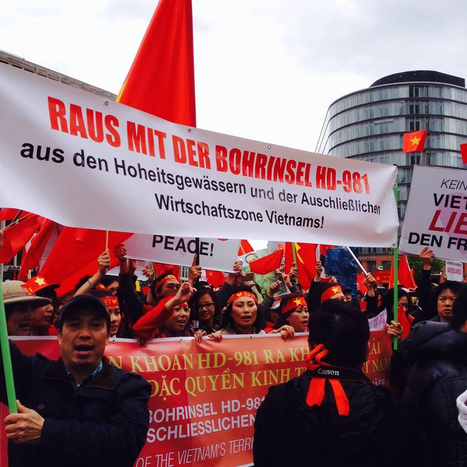 Người Việt năm châu tiếp tục phản đối hành động của Trung Quốc
