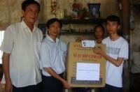 LĐLĐ huyện Phú Xuyên: Tặng quà biểu dương học sinh đỗ Thủ khoa Đại học