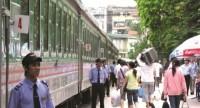 XN Vận dụng toa xe khách Hà Nội: Đột phá phong cách phục vụ hành khách