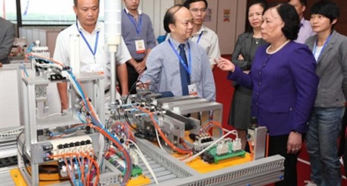 Bộ trưởng Phạm Thị Hải Chuyền thị sát trước kỳ thi tay nghề ASEAN lần thứ 10