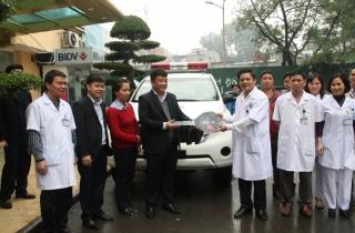 BIDV trao tặng xe cứu thương cho Bệnh viện Phụ sản Hà Nội