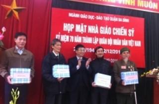 Ngành GD-ĐT quận Ba Đình gặp mặt các nhà giáo là cựu quân nhân