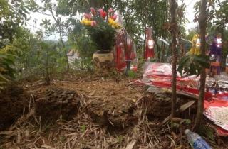 Bí ẩn quanh ngôi mộ cổ xóm Núi Lãn