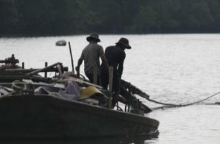 Trên 100 cảnh sát bao vây truy bắt cát tặc ở cửa sông Thị Vải