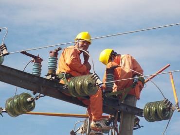 EVNNPC đi đầu trong công tác an toàn lao động