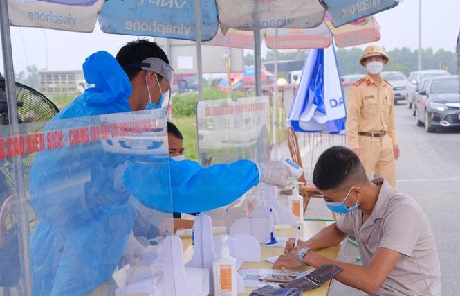 Thái Nguyên cải thiện môi trường làm việc cho lực lượng tuyến đầu chống dịch