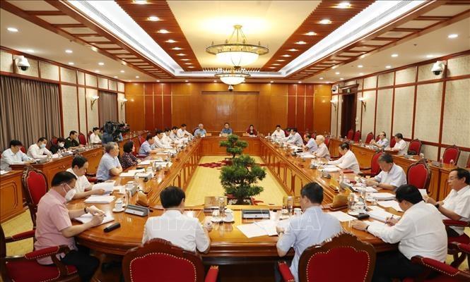 Bộ Chính trị yêu cầu 6 nhiệm vụ trọng tâm về phòng, chống dịch Covid-19