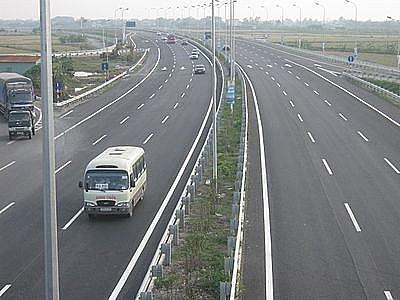 Xung quanh đề xuất bỏ Qũy Bảo trì đường bộ: Vẫn phải đóng phí