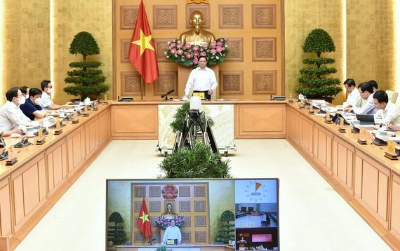 Lực lượng quân đội, công an hỗ trợ thành phố Hồ Chí Minh chống dịch