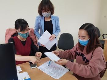 Trao hỗ trợ cho người lao động bị ảnh hưởng bởi dịch Covid-19