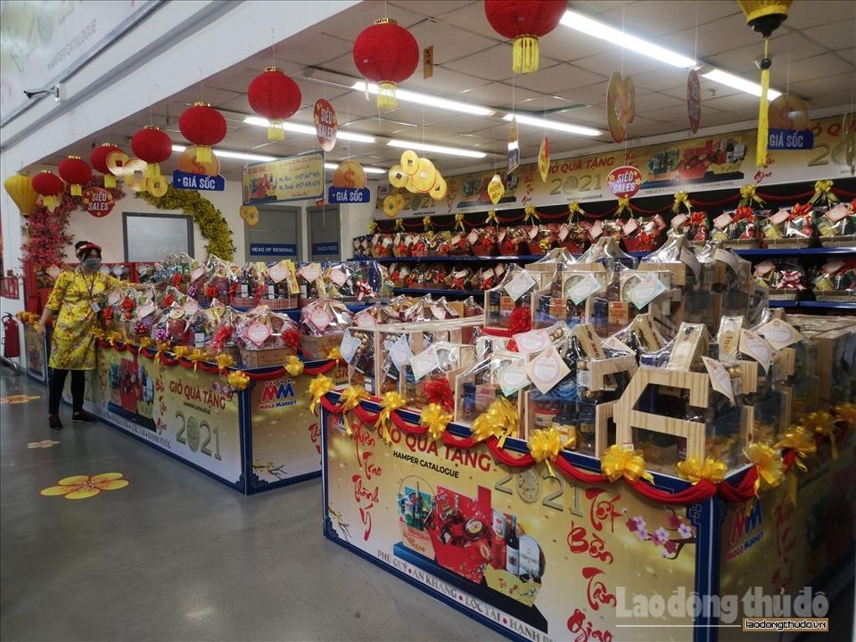 Nhiều siêu thị, chợ dân sinh đã mở nhưng vắng khách