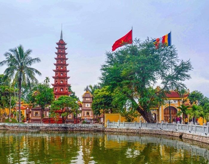 Người dân Thủ đô hạn chế đến các điểm vui chơi, đình chùa ngày đầu năm