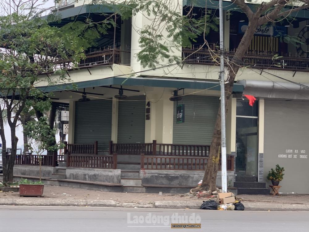 """Các quán cà phê ven Hồ Tây chấp hành nghiêm """"lệnh cấm"""" của Thành phố"""