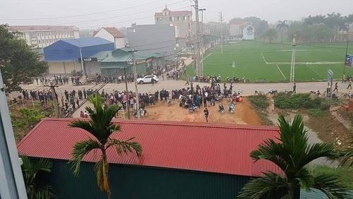 Vĩnh Phúc: Xe khách đâm vào đoàn đưa tang, nhiều người thương vong