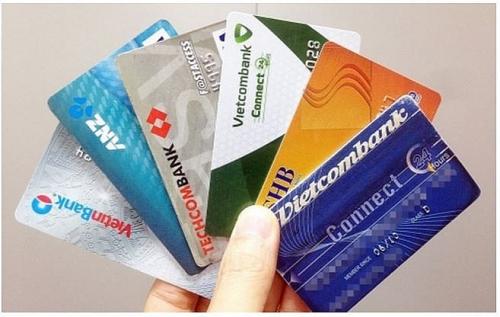 Trẻ đủ 15 tuổi được sử dụng thẻ tín dụng