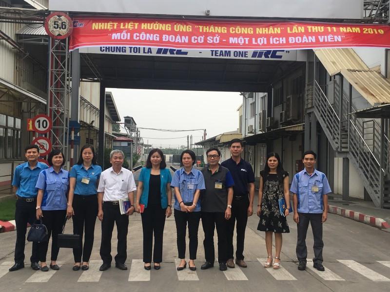 Chủ tịch LĐLĐ Thành phố Nguyễn Thị Tuyến kiểm tra việc triển khai Tháng Công nhân tại CĐCS