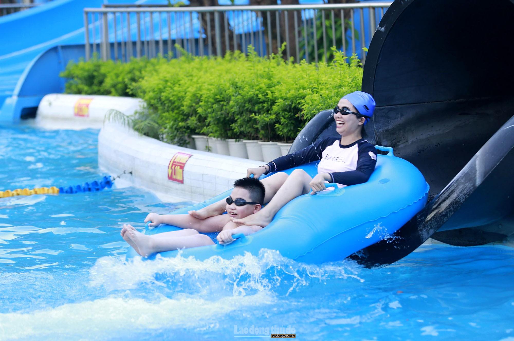 Tăng cường quản lý hoạt động du lịch trên sông, hồ, bể bơi, vui chơi dưới nước