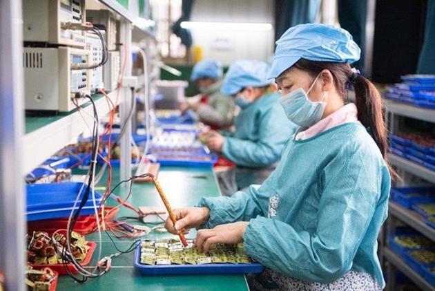 Nghị quyết về một số chính sách hỗ trợ người lao động và người sử dụng lao động gặp khó khăn do đại dịch Covid-19