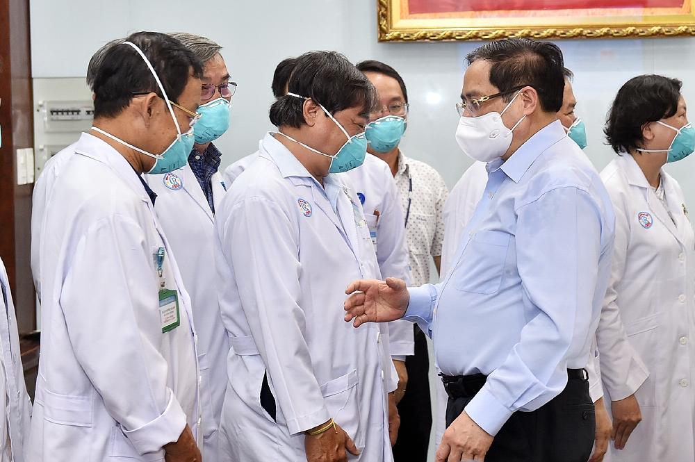 Thủ tướng khen 10 tập thể, cá nhân xuất sắc trong phòng, chống dịch