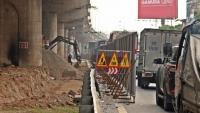 Hà Nội: Tiếp tục xén dải phân cách đoạn qua bến xe Nước Ngầm