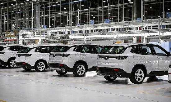 Chính thức giảm 50% lệ phí trước bạ ô tô: Khách hàng tiết kiệm được hàng trăm triệu đồng